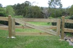 Pine 3 bar gate - LA-W09