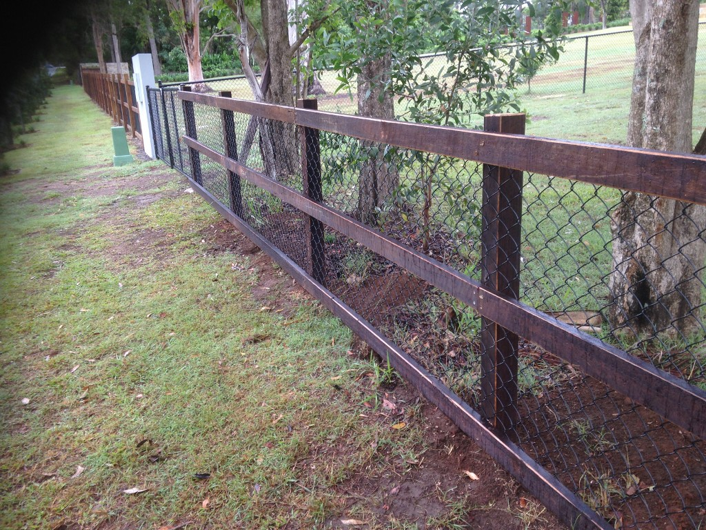 Lifestyle acreage fencing projects focus