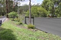 Corrugated iron fencing - LA-S11