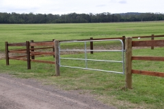 4 Bar Steel Gate - LA-W03