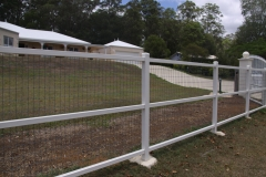 Painted post & rail with dogwire - LA-S16