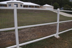 Painted post & rail with dogwire - LA-S17
